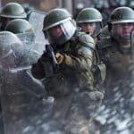 Corte en Chile admite recurso contra el uso de bombas lacrimógenas