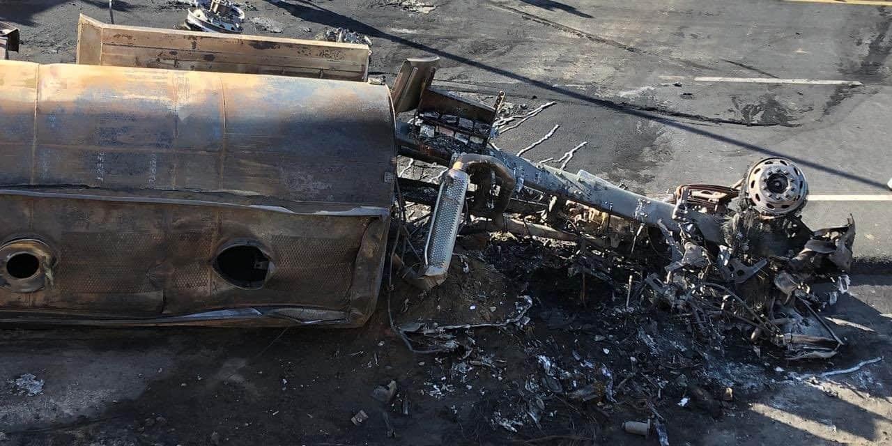 Incendio vehicular deja un fallecido en el puente de Guayllabamba