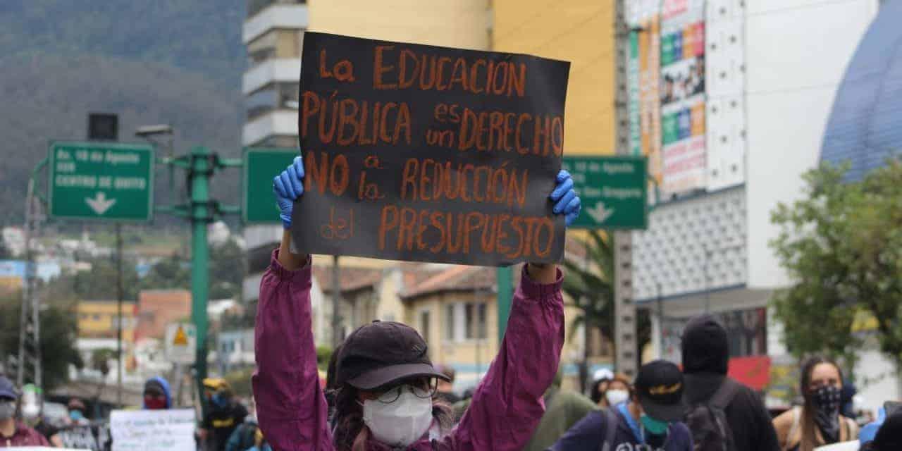 Los estudiantes son los más afectados por el recorte del Gobierno