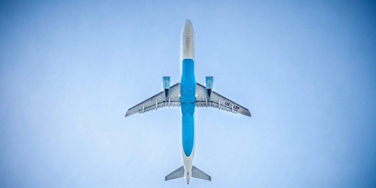 IATA rechaza las disposiciones impuestas por el COE a los viajeros
