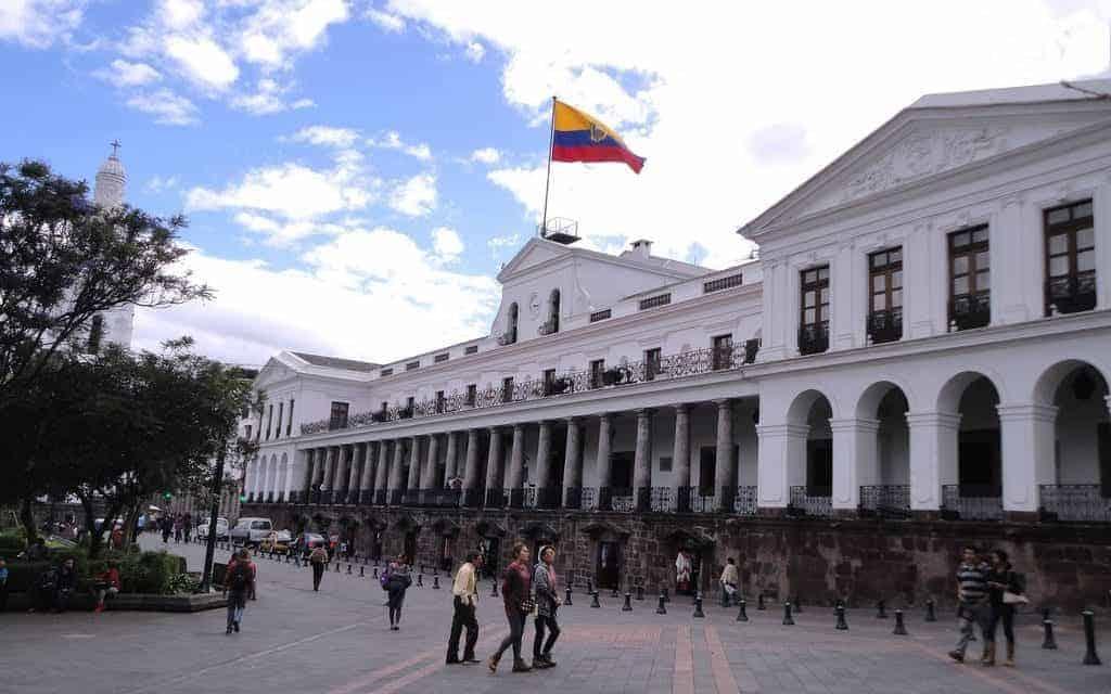 Cuatro de cada 100 ecuatorianos desconfía del CNE, revela encuesta