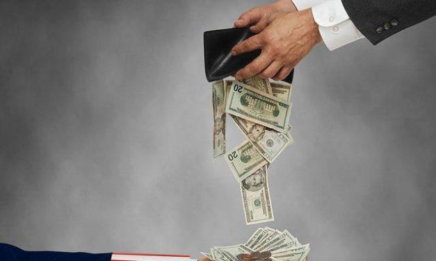 Ecuador vendió su alma al diablo a cambio de renegociar la deuda