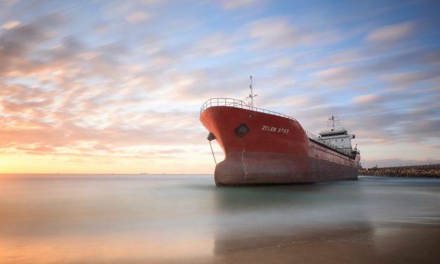 Ecuador busca apoyo en Comisión del Pacífico Sur en torno a flota pesquera china