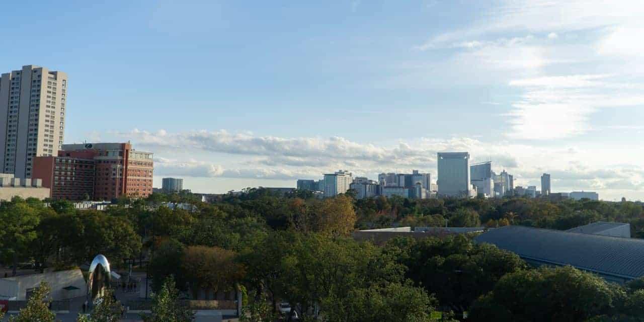 EE.UU. cierra consulado chino en Houston por filtraciones sobre cura de la covid-19