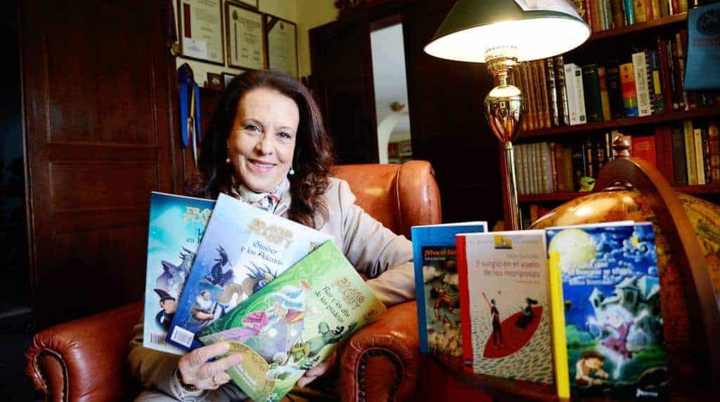 Edna Iturralde recibe el Premio Cervantes Chico de literatura infantil