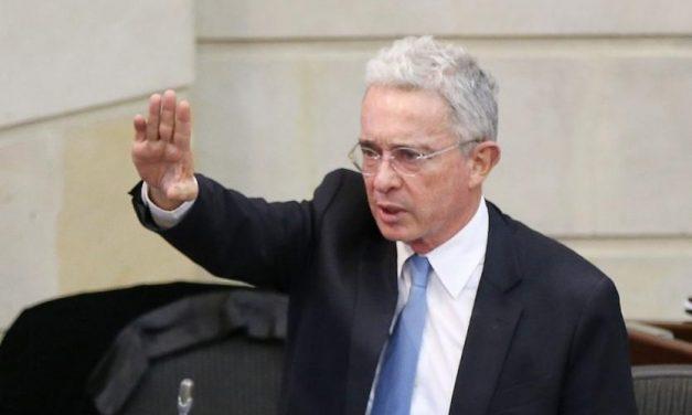 Tribunal dicta arresto domiciliario para Álvaro Uribe