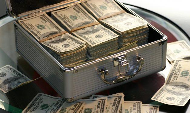 Moreno deja USD 417 millones de deuda con China a cargo del próximo gobierno
