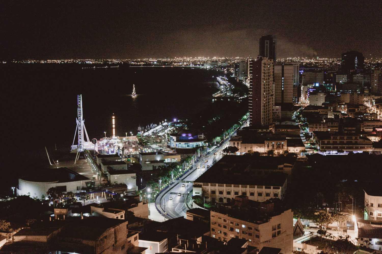 Guayaquil / Photo by Jose Garcia on Unsplash