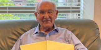 Colombiano de 104 años culminó su tesis doctoral